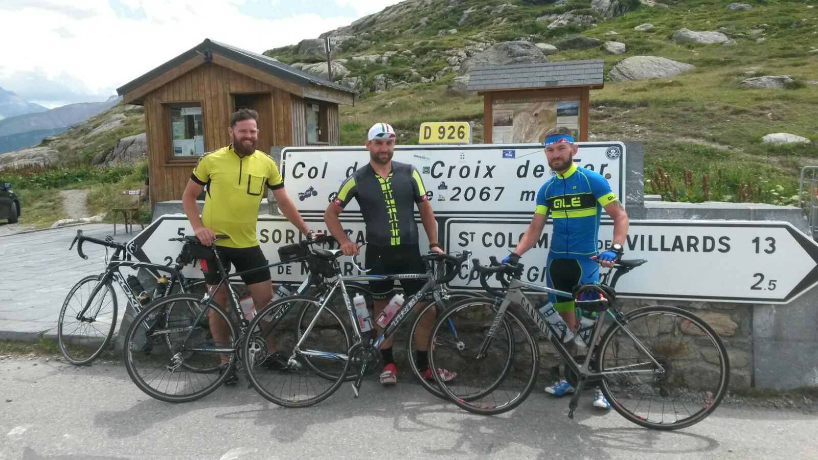 Fundraiser completes 900 mile cycle in 4 days!